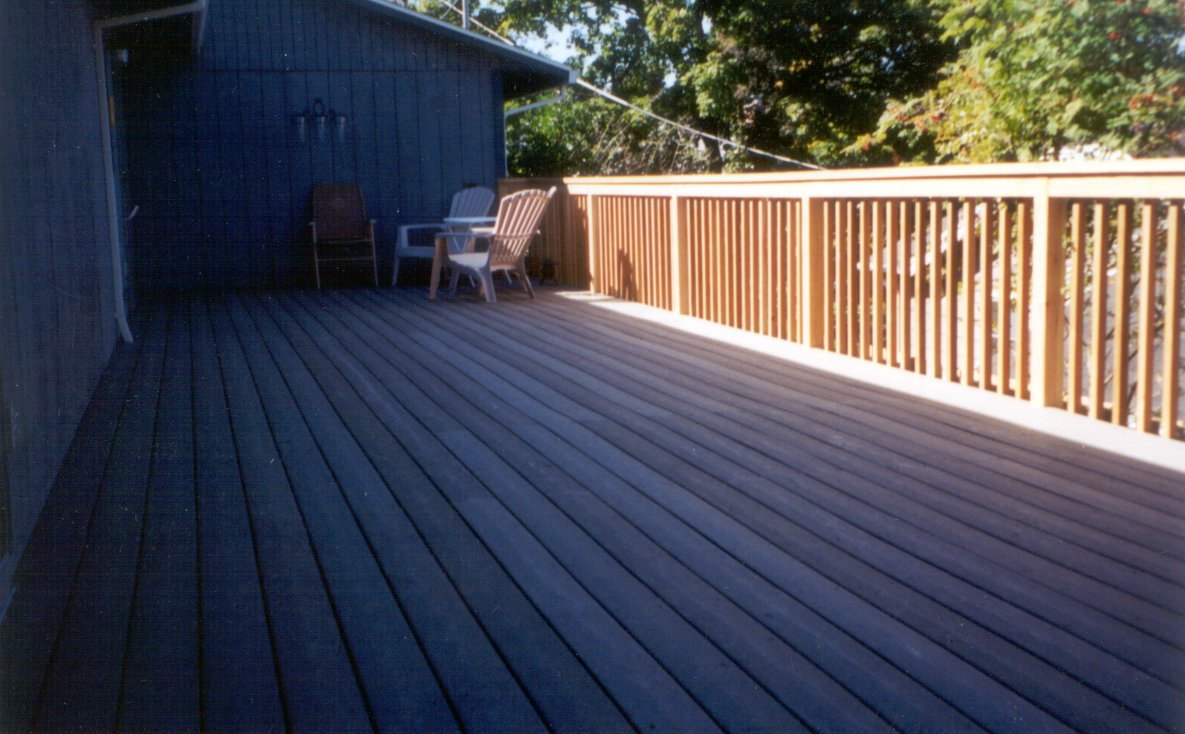 Wooden decking alternatives to wooden decking for Wooden balcony